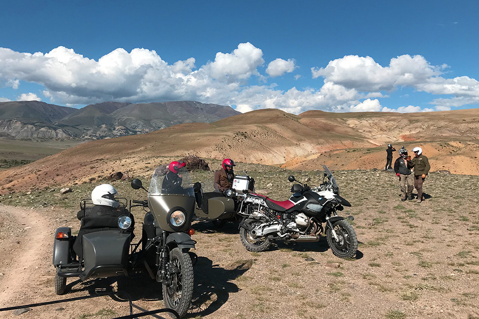 voyage-moto-altai-1200-gs-and-ural-ride-and-be