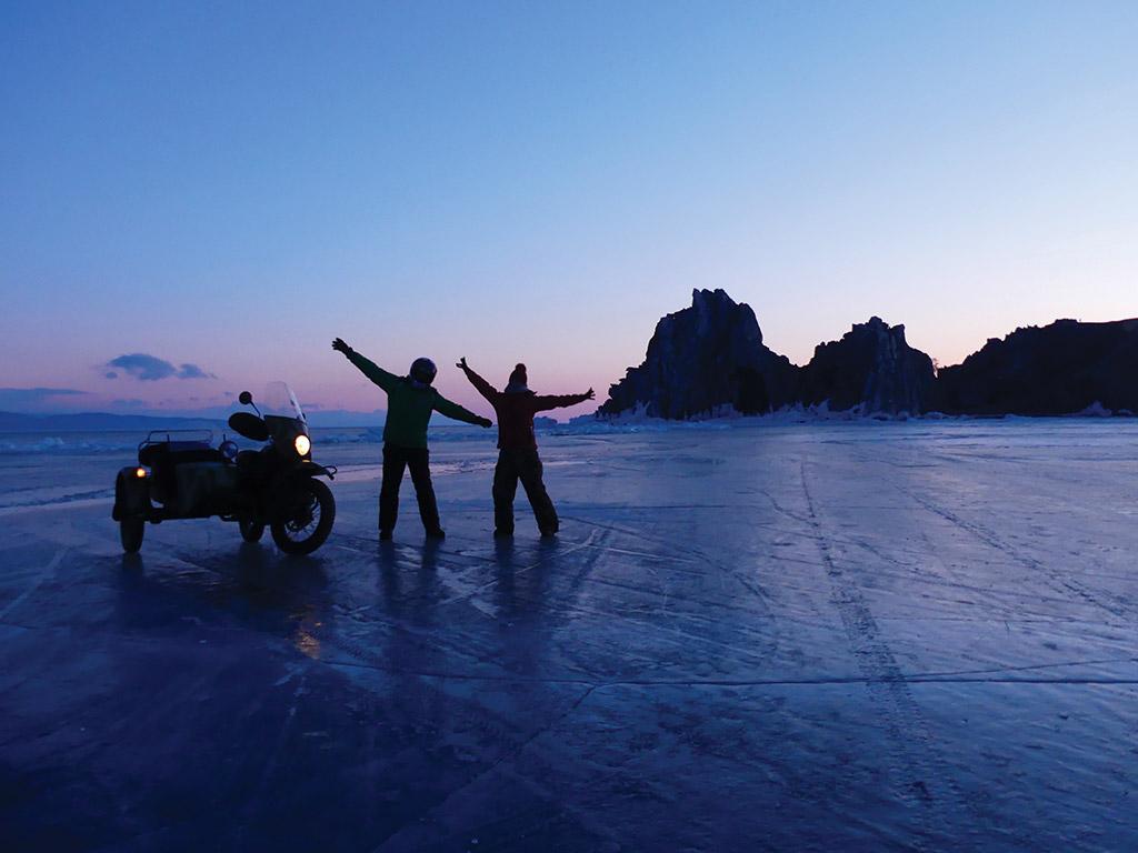 voyage-moto-russie-rouler-sur-le-baikal-en-hiver-ural.37