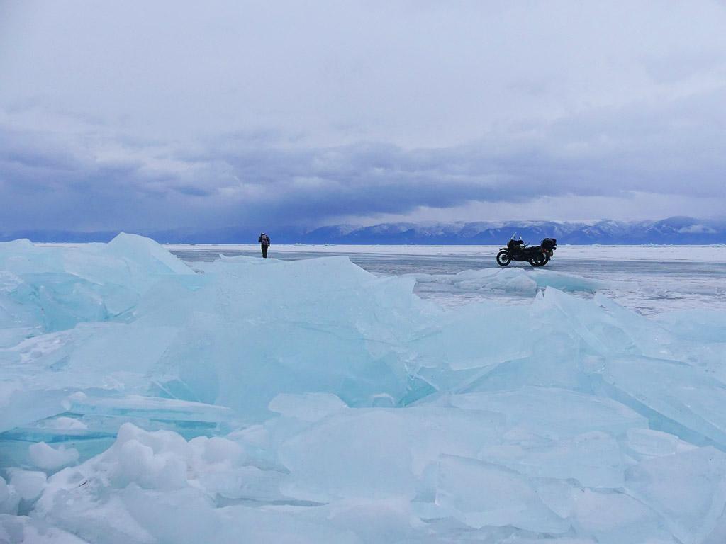 voyage-moto-russie-rouler-sur-le-baikal-en-hiver-ural.39