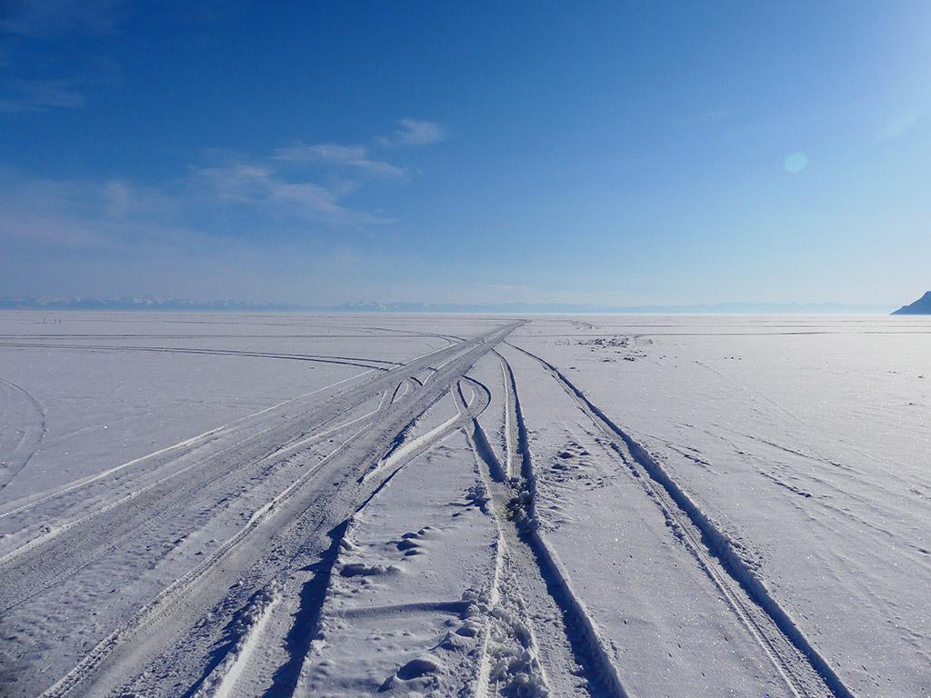 voyage-moto-russie-rouler-sur-le-baikal-en-hiver-ural.46